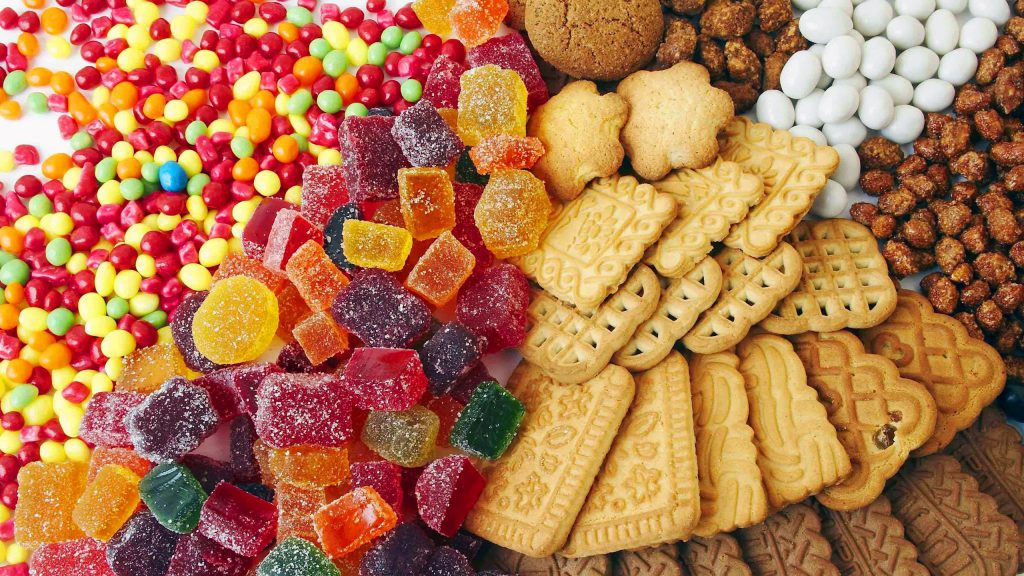 Colored-candy-and-cookies_2560x1440